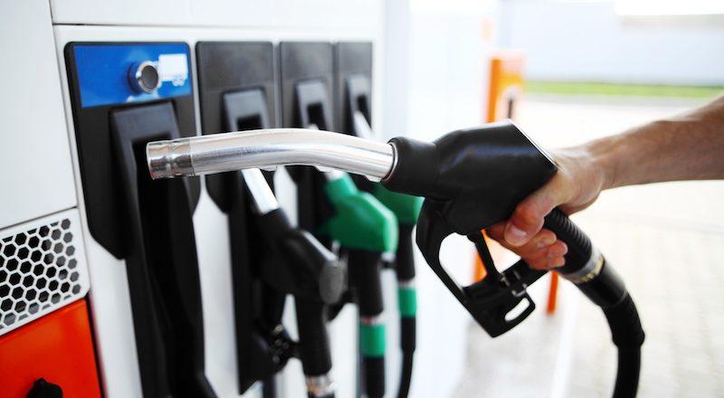 Repostar manguera gasolinera adblue
